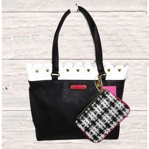 BETSEY JOHNSON BLACK / WHITE TRIM / POUCH TOTE